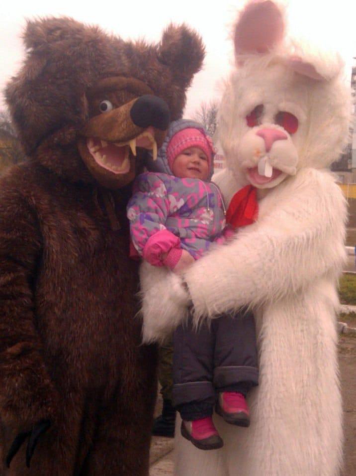 страшные костюмы и ребенок
