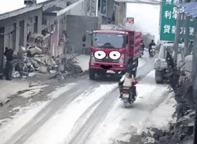 машина сбила мотоцикл