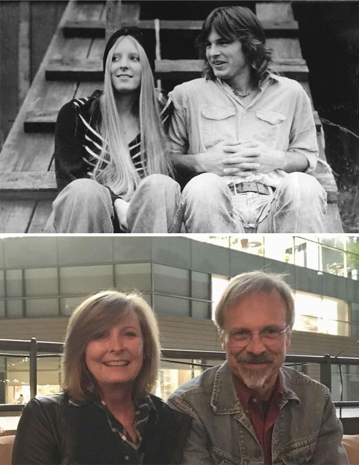 парень и девушка сидят на лестнице, женщина и мужчина