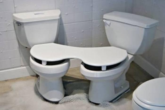 два общих туалета