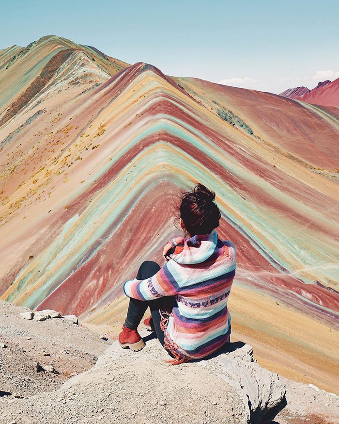 девушка в горах