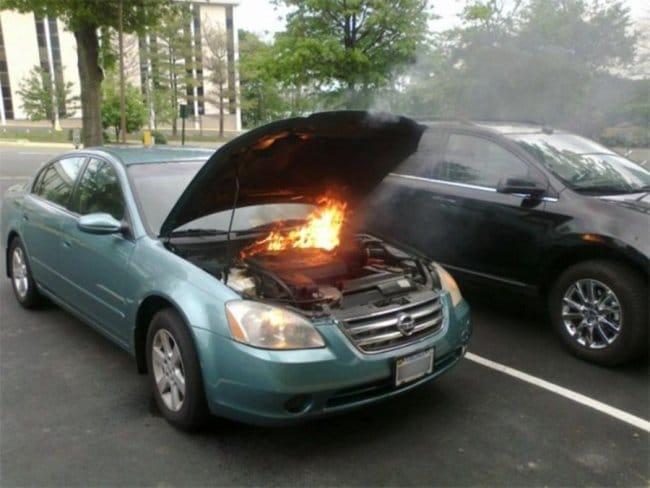 загорелся двигатель