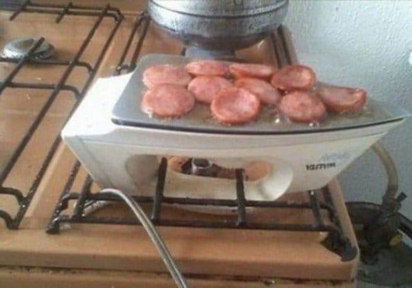 жаренная колбаса