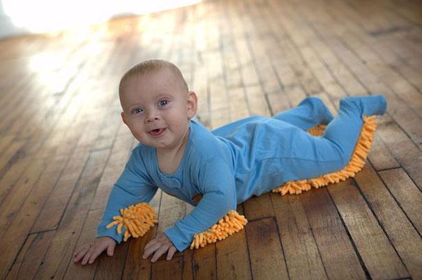 Малыш в костюмчике