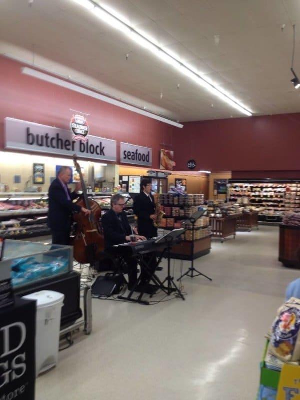 оркестр в супермаркете