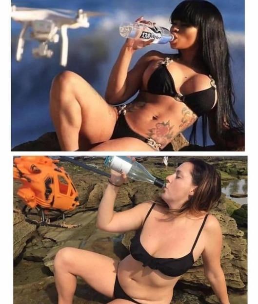 девушка в купальнике пьет воду