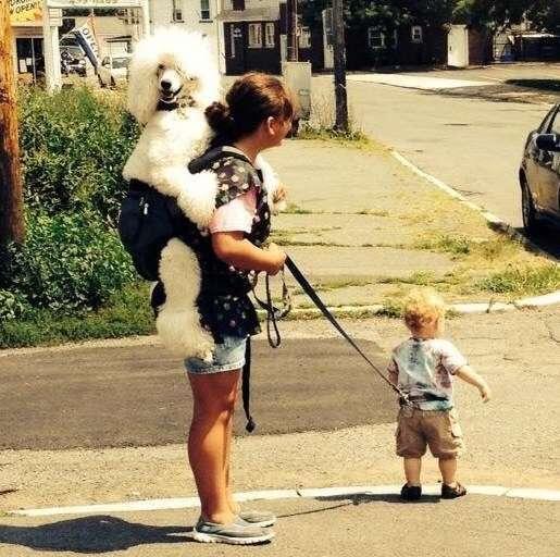 мама с ребенком и собакой
