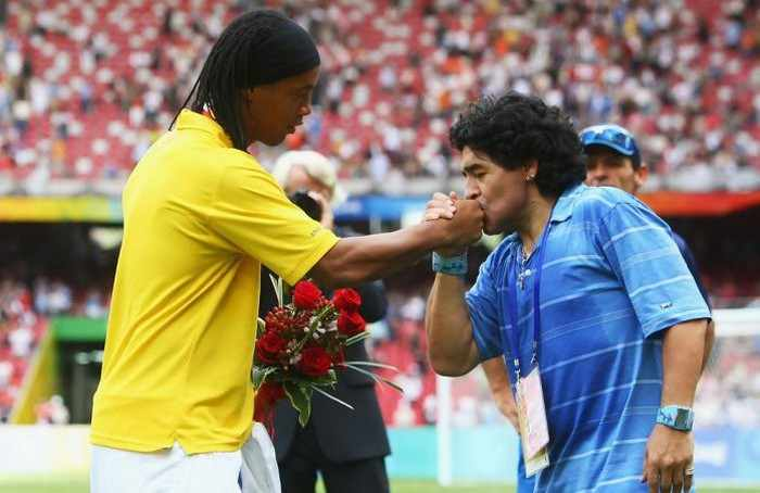 Роналдиньо и Диего Марадона