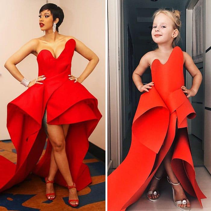 карди би в красном платье