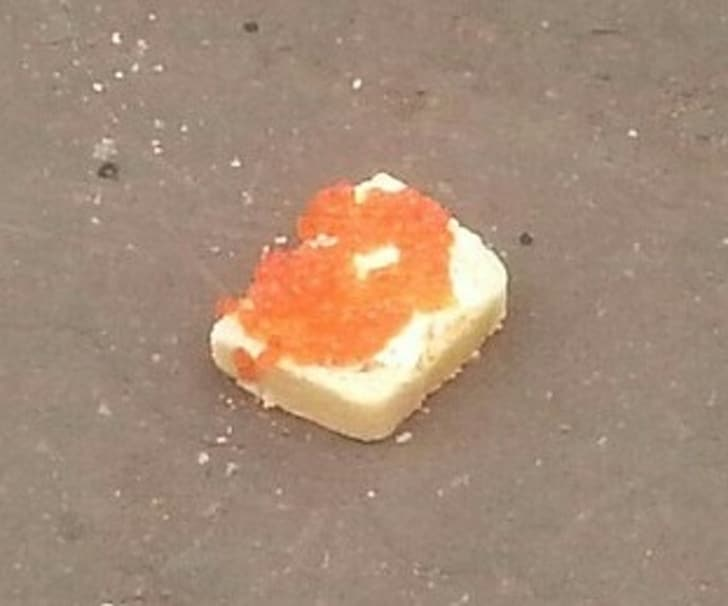 бутерброд с икрой