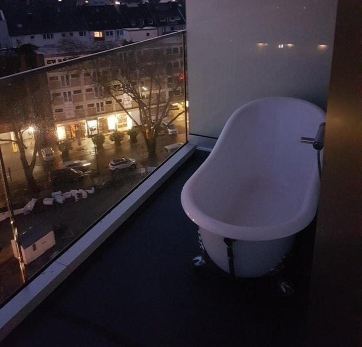 ванная на балконе