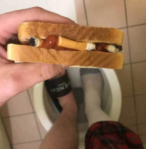 бутерброд с окурками
