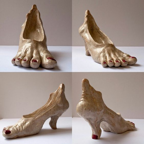 туфли в форме ступней