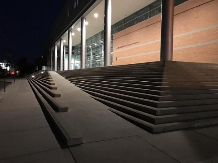 лестница в здании