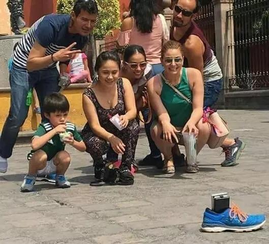 Телефон в ботинке