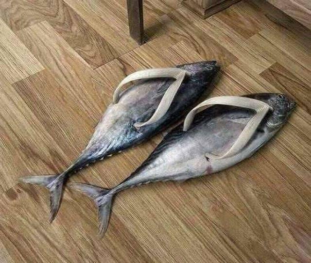 тапочки в форме рыбы