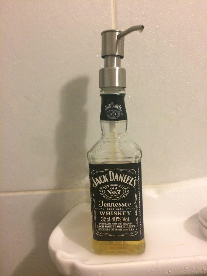 бутылка из-под алкоголя