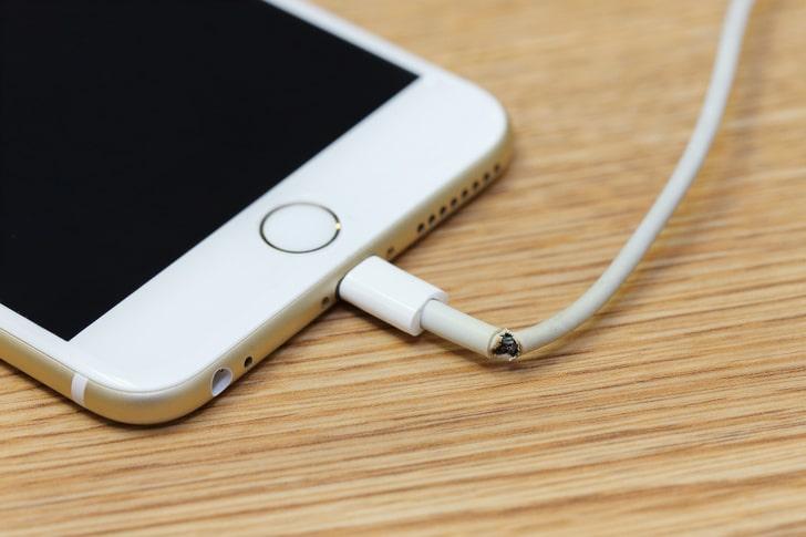 кабель зарядки