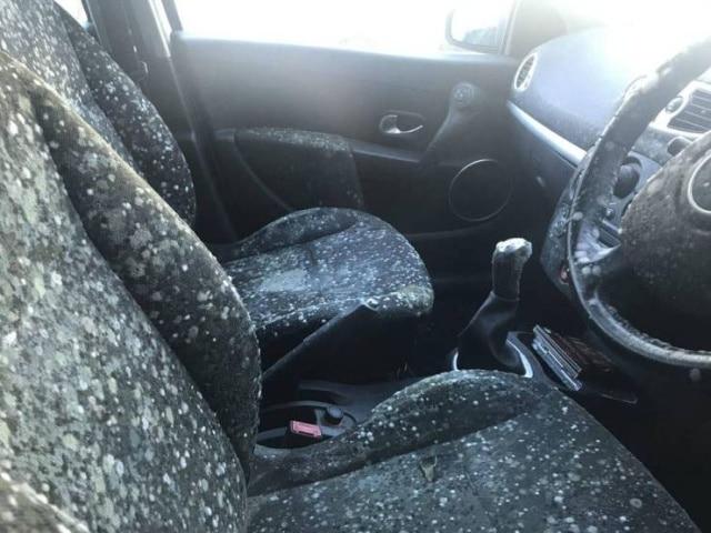 грязный салон автомобиля