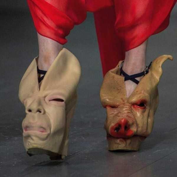 ботинки в форме свиной головы