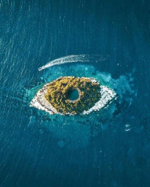 остров в иде глаза