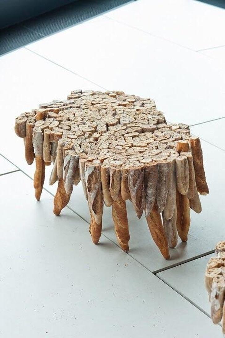 стол из багетов