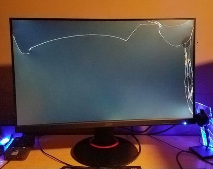 треснул экран телефизора