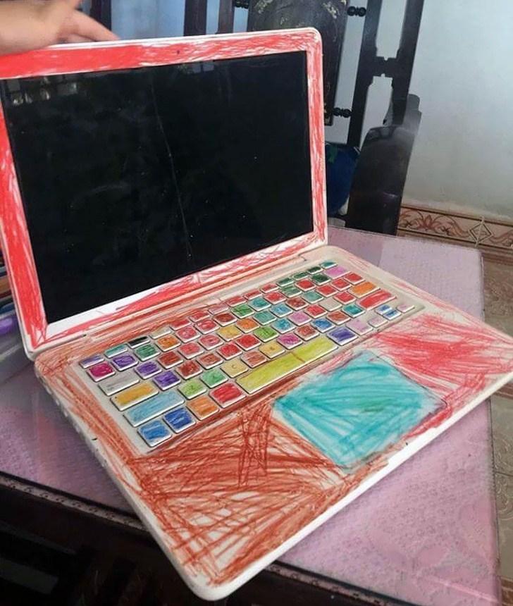 разрисованный ноутбук