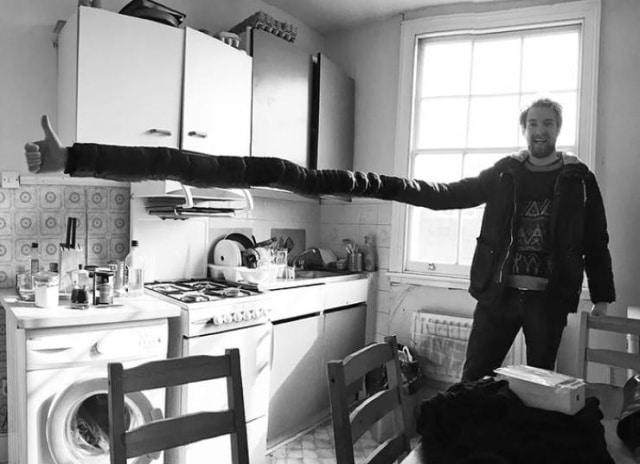 мужчина в кухне