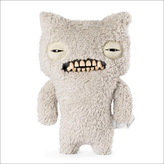 плюшевая игрушка с зубами