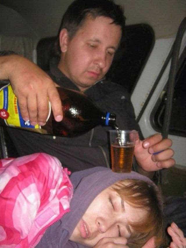 парень и пиво