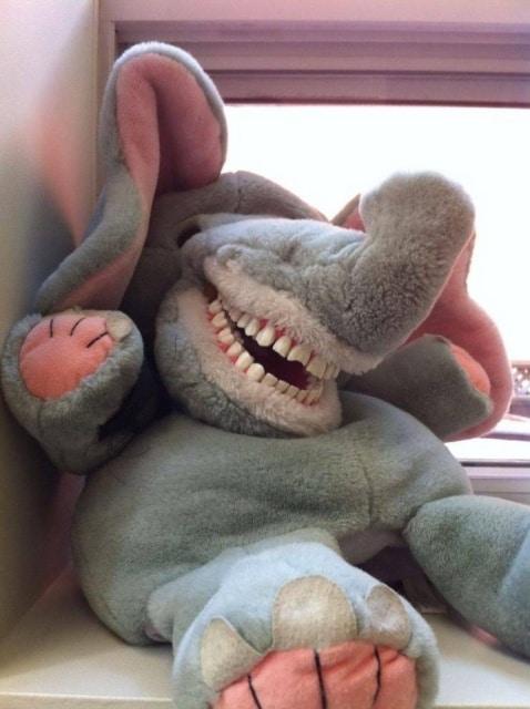 мягкая игрушка слон с зубами