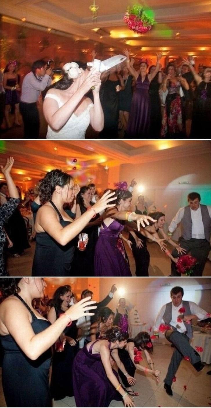 девушки ловят букет невесты