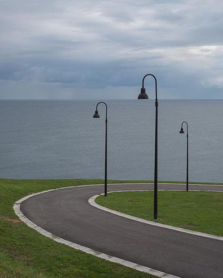 фонари и море