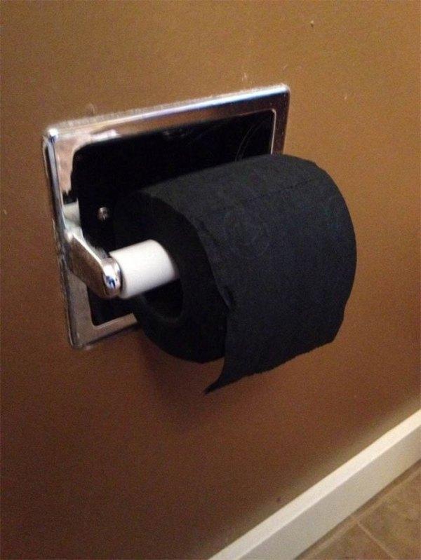черная туалетная бумага
