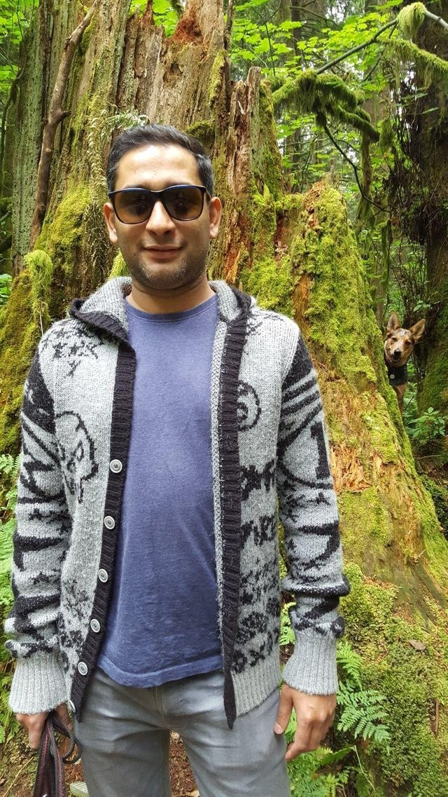 парень в лесу