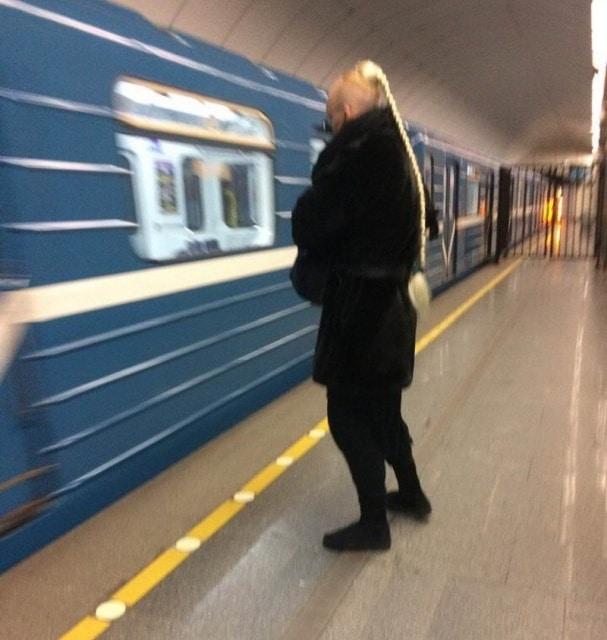 модник в метро